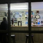 Irische Pubs: In Helen´s Bar in Kilmackilogue