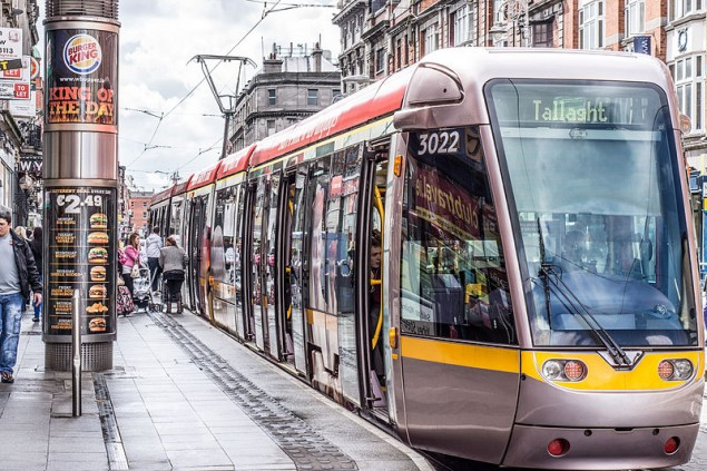 Luas_tram_stop_at_Abbey_Street_by William Murphy_LUAS_Dublin